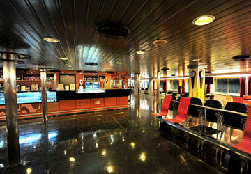 golden_star_ferries_superferry_ii_bar_area