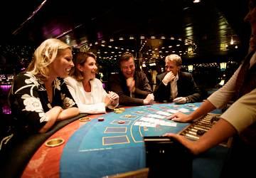 https://www.directferries.co.uk/image/ship/4/tallink_silja_victoria_i_casino.jpg