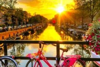 Up to 30% off mini cruises to Amsterdam
